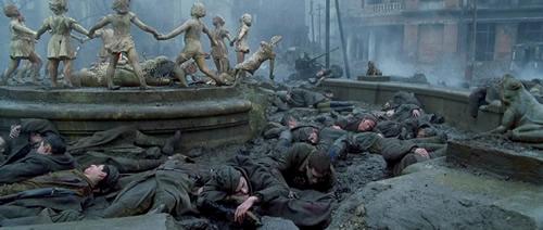 Stalingrado: ¿Un rifle para cuatro hombres? Enemigoalaspuertasbd